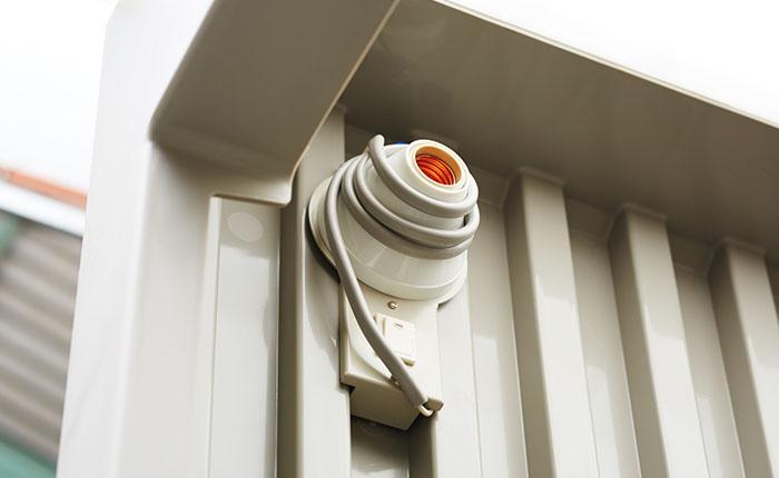 照明<br /> 室内を明るくし、足元を心配することなく安全です。(電源が必要です)
